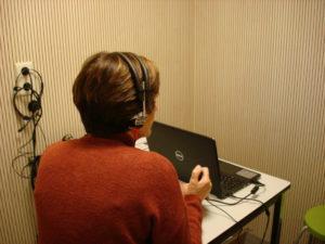 Volwassenen met een gehoorstoornis